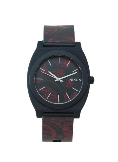 Saat-Nixon
